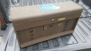 Vintage CRAFTMEN TOOL box for Sale in Riverdale, GA