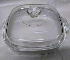 Corning Ware mwa 10b Microwave BROWNING casserole dish with lid. for Sale in San Diego, CA