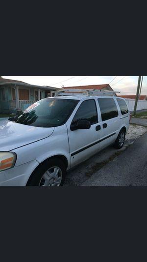 Mini van Chevrolet for Sale in Miami, FL