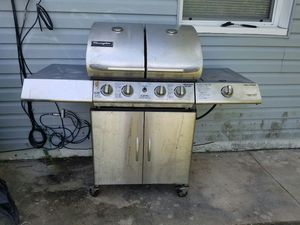 Gas grill for Sale in Winter Springs, FL
