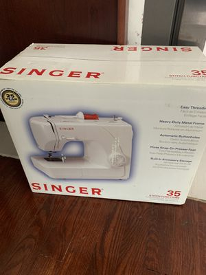 Singer 35 sewing machine model number 1507 for Sale in Fort Washington, MD