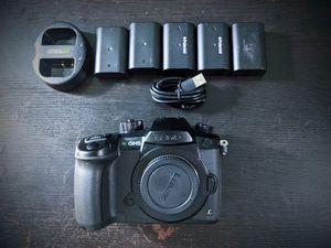 Panasonic Lumix DMC-GH5 + 5 batteries and charger-- Mirrorless Micro Four Thirds Digital Camera Body gh4 g9 for Sale in San Diego, CA