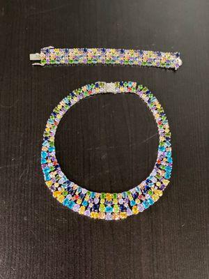 Beautiful Swarovski Crystal ser , excellent condition for Sale in Burbank, CA
