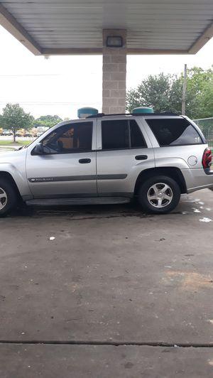 Chevy trail blazer 20004 jala al 100 tiene 244 mil millas a,c works good for Sale in Houston, TX