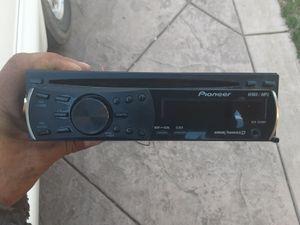 STEREO PIONEER CD AUX GOOD CONDICIÓN ABLO ESPAÑOL for Sale in Stockton, CA
