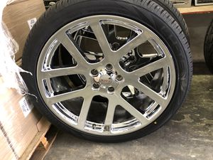 "24"" SRT chrome 5 lug Dodge Ram with lionhart tires for Sale in Las Vegas, NV"