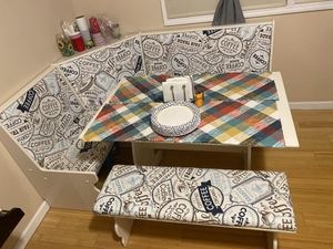 Breakfast Nook for Sale in Wantagh, NY