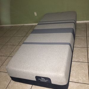 CALIFORNIA TWIN MATTRESS ICOMFORT BLUE TOUCH MAX 3000 for Sale in Tolleson, AZ