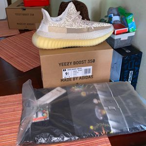 Yeezy 350 Natural for Sale in San Marcos, TX