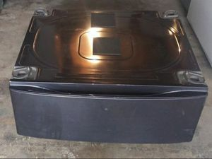 """Two pedestals with storage drawer for Samsung washer or dryer 27"""" onyx color for Sale in Houston, TX"""