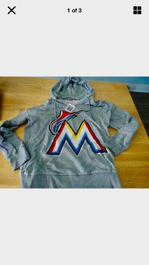 New marlins hoodie m for Sale in Los Angeles, CA