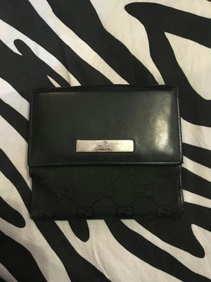 Gucci wallet for Sale in Lynwood, CA