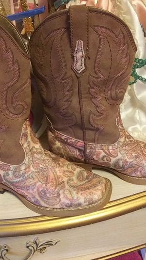 Roper boots size 2 for Sale in Calhoun, LA