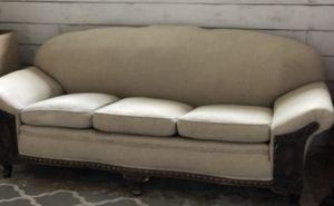 Antique couch for Sale in Phoenix, AZ