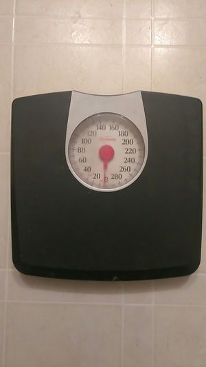 Bathroom scale for Sale in Lithonia, GA