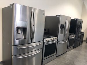 Samsung kitchen set stainless steel and black stainless available gas or electric range many different models available 🔥🔥🔥✍️✍️✍️ for Sale in Tolleson, AZ