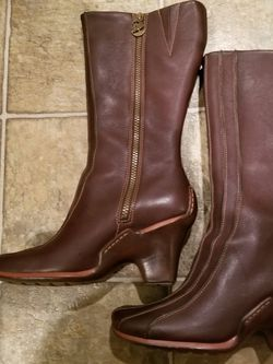 Timberland Women's Boots. Size 7 1/2 for Sale in Cary,  NC