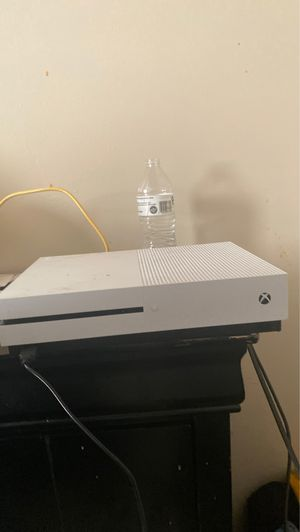 Xbox one S 1TB w/ accessories for Sale in Hampton, VA
