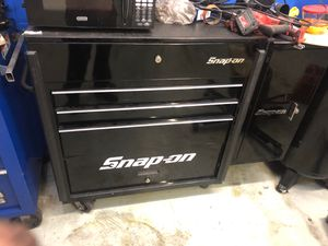 Snap on tools box for Sale in Redwood City, CA