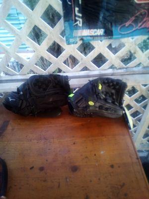 Two brand new right handed baseball gloves for Sale in Hemet, CA