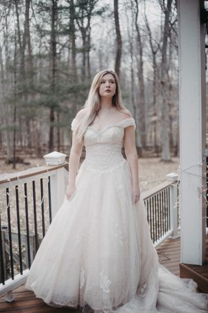 Pearl Designs Princess Wedding Dress Size 8 for Sale in Fairfax, VA
