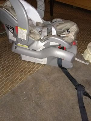 Infant car seat for Sale in Hazel Green, AL