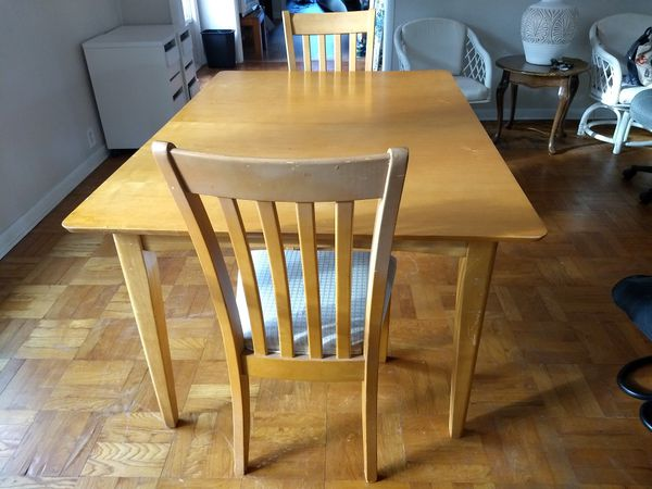 Dinning table with two chairs