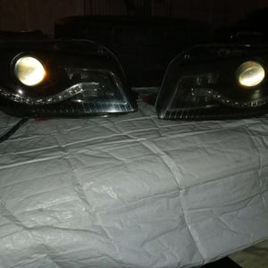 Parts 2006 Audi Headlights(right & Left) for Sale in Vernon, CA