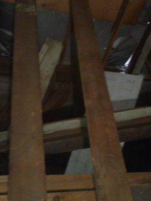 Redwood beams 10 / 12 15 foot long 100 + years old plenty of redwood call for pri for Sale in Stockton, CA
