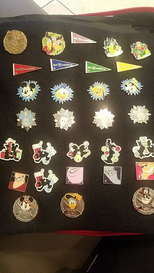Lot of 30 Disney pins , some hiden mickey , Fab 5 & Villains for Sale in La Habra Heights, CA
