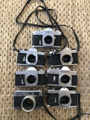 Vintage 35mm film cameras. Pentax, Minolta, Mamiya, Yashica for Sale in Chicago, IL