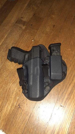 G19 iwb holster like new for Sale in Stockton, CA