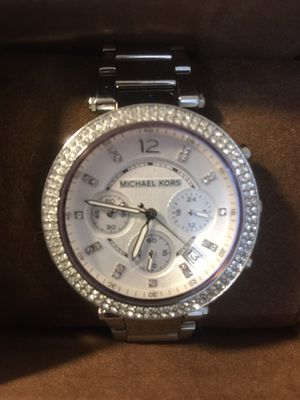 Michael kors watch Women's Parker Silver-Tone Watch In excellent condition Comes with box & manual .(pick up only) for Sale in Alexandria, VA