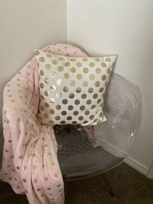 Throw blanket & pillow for Sale in San Antonio, TX