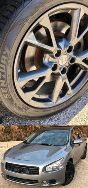 Price$1200 Nissan Maxima for Sale in Los Angeles, CA
