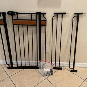 Regalo Extra Tall Baby Gate for Sale in Wesley Chapel, FL