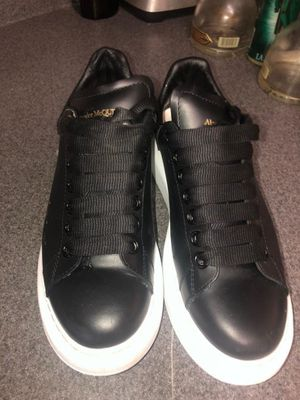 Alexander mcqueen 100% Authentic for Sale in Washington, DC