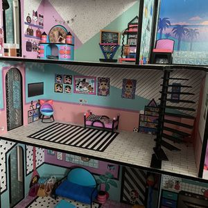lol Doll House With Dolls for Sale in Lemon Grove, CA