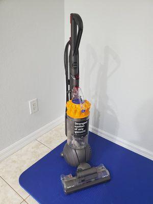 Dyson Ball Multifloor upright vacuum for Sale in PT CHARLOTTE, FL