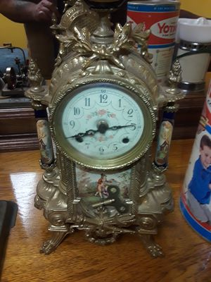 Antique brass clock for Sale in New Kensington, PA