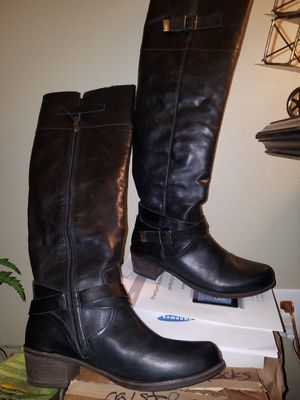 Women's UGG boots for Sale in Portland, OR