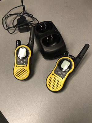 Set of 2 Motorola Talkabout 2 Way Radio MH230R Walkie Talkie 22 Channel Radio for Sale in Tampa, FL