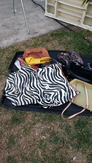 BAGS BAGS FOR SALE SEVEN DLLS AND UP for Sale in Pico Rivera, CA