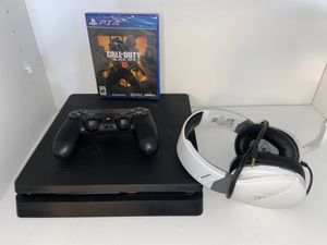 PlayStation 4 / PS4 w COD and turtle beach recon 200 for Sale in Tampa, FL
