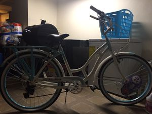 Girl 10 speed bike for Sale in Baltimore, MD