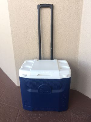 Igloo cooler 28QT Excellent Condition! for Sale in Hialeah, FL