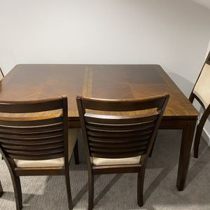 Dining Room Table With 4 Chairs for Sale in Solana Beach, CA