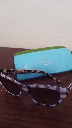 Kate Spade sunglasses basically brand new cost 160$ yours for 100$ for Sale in Renton, WA