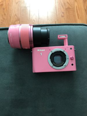 Nikon J1 with extended lenses needs battery/charger for Sale in Bronx, NY