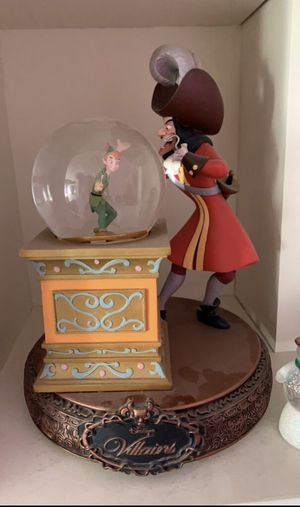 Disney Villains' Peter Pan (Snow Globe Spinning Figurine) for Sale in Pittsburgh, PA